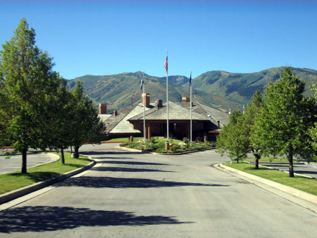 3.-Park-Meadows-Country-Club
